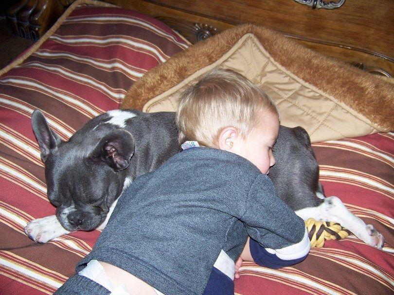 Kid con el mejor amigo
