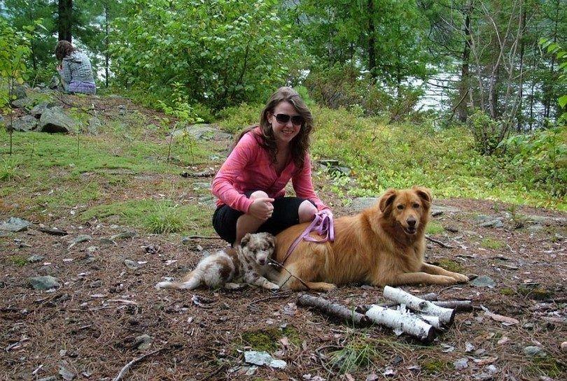 Juega con tu perro en acampar