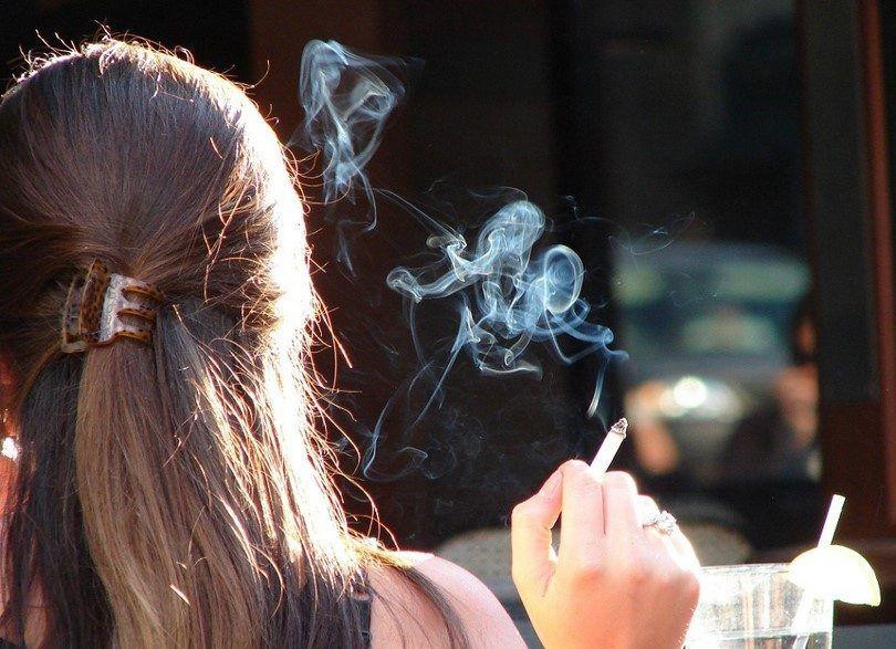 El humo y perfume