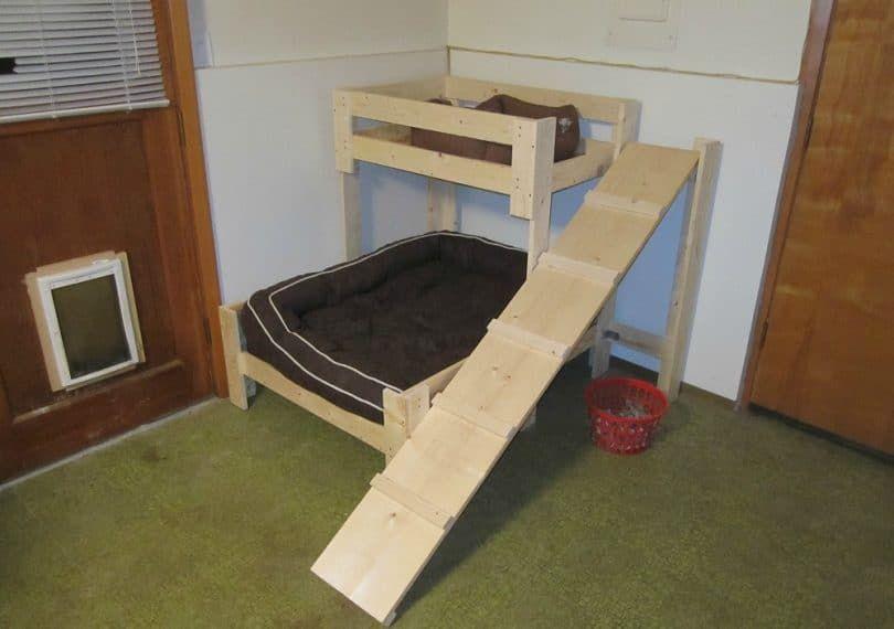 rampa de perro para una cama