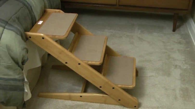 escaleras de madera para perros
