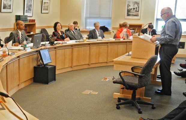 Maine Legislador Propone Bill Orientación de los molinos del perrito